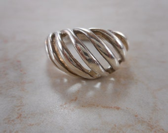 Vintage Sterling Silver Ribbed Domed Ring Size 7 3/4
