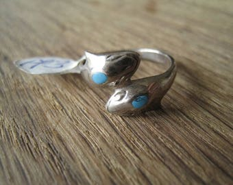 Sterling Silver Turquoise Double Dolphine Band Ring Size 7.25 (173)