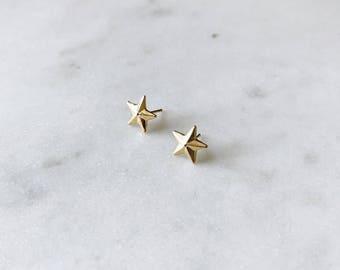 1990's Dead Stock Vintage Gold Star Stud Earrings