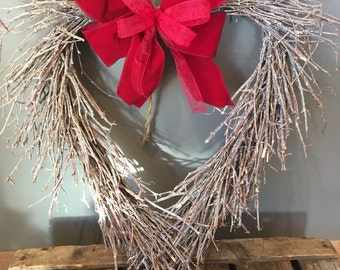 Valentines heart wreath with red bow, Door wreath, large wreath, burgundy wreath. Country wreath, natural wreath, vslentine gift.