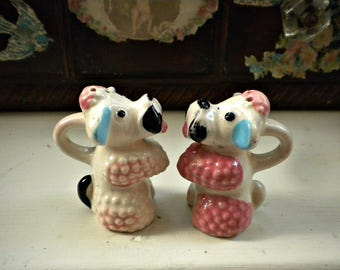 Vintage Poodle Salt and Pepper Shakers, French Poodle, Pink Poodle, Poodle Decor, Vintage Kitchen, French Kitchen