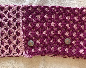 Double face crochet neck warmer with metal buttons