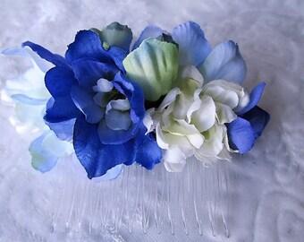 Blue comb, blue floral fascinator, blue flower comb, bridal headpiece, bridesmaid floral comb, blue flower hair comb, blue hair accessory UK