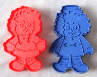 Raggedy Ann and Andy Cookie Cutter Set by the Bobbs Merrill Co.
