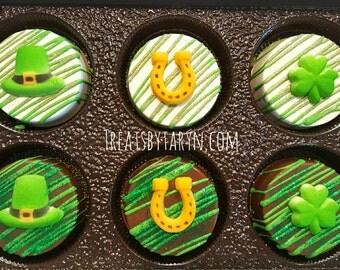 St. Patrick's day treats. Chocolate covered oreos. St pat oreos. Irish treats. Irish oreos. St Patrick's day. Oreos. Green oreos. Clovers
