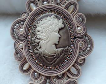 brooch cameo sutach