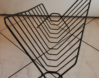 Supercool 50s 60s Design Black Wire Newspaper Magazine Rack Mid Century Modern Harry Bertoia Style matches Eames String danish furniture