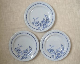 "3 Buffalo China ""Lune"" Luncheon Plates 9.125"" Blue w/ Flowers Vintage Restaurant Ware U.S.A."