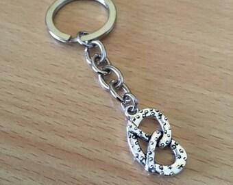 Pretzel Keyring | Silver Pretzel Charm Keychain | Pretzel Jewelry | Food Jewelry | Snack Food Keychain