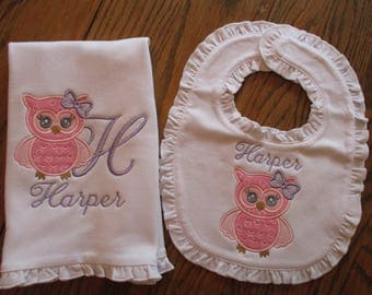 Bib and Burp Cloth, Personalized Bib and Burp Cloth set, Bib and Burp Cloth with Owl and Name,
