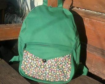 Grass-green canvas small backpack