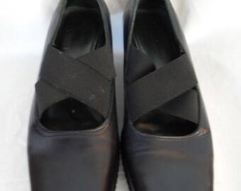 vintage DONALD J PLINER platform X strap Mary Janes/ black leather white top stitching: size 9 US woman