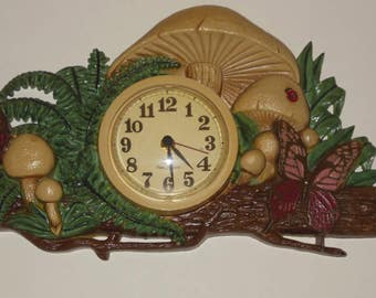 Vintage Wall Clock New Haven Mushroom Butterfly Plastic Green Brown 19 x 12 Inch Battery Operated Kitchen