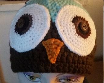 Wide-eyed owl hat