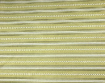 yellow lines. yellow stripes