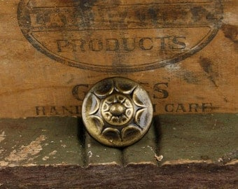 Vintage, antique gold and black finished Knob with a flower pattern.  Item449b