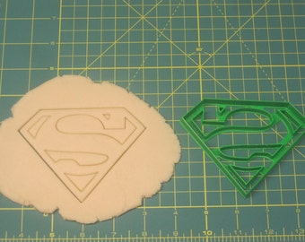 Superman/Supergirl Cookie Cutter