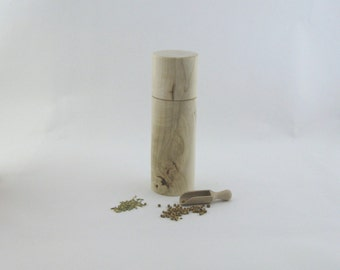 8pices and pepper mill in Negindo maple, Cylinder style with rod mecanisme / 7 1/2 in article no: 556