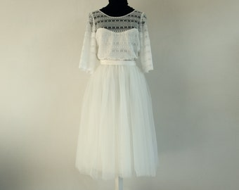 Short wedding dress, French Lace top, tulle skirt. Romantic and bohemian style