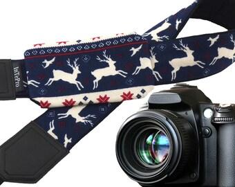 Christmas camera strap with lens pocket. Deer camera strap. White reindeer. Blue and red Christmas ornaments. Christmas gifts. Xmas fashion.