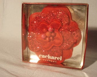 Cacharel Parfums Perfume  Brooch Red With Glitter Cloth Pin Shiny Flower NEW Accessories