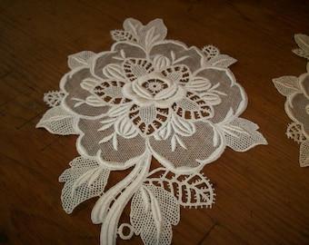 Lovely vintage appliqué of lace floral