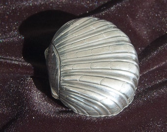Amazing vintage sterling silver shell
