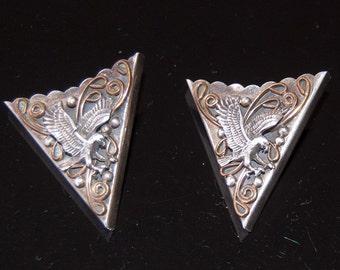 Beautiful vintage sterling silver eagle design collar ends