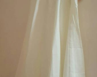 Vintage 1970-80 Bird Song Half Slip-Ivory Size Small-130 Sweep