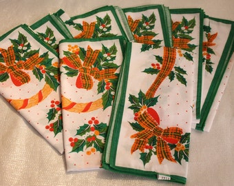 Beautiful Set of 8 Vintage Christmas Design Napkins Made in Thailand