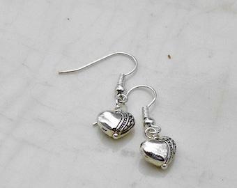 Heart Dangle Earrings, Holiday Earrings, Valentine Jewelry,  Valentine Earrings, Gift for Her. Silver Heart Drop Earring, Heart Jewelry