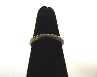 Womens Vintage Estate 18K White Gold Ring 2.9g E994