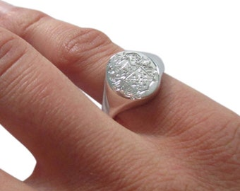 Sterling silver signet ring with personalised crest