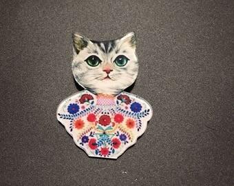 Tabby cat wears Bohemian crochet floral summer funky brooch