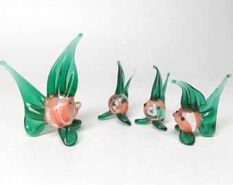 4 Little Glass Fishes Miniature - Art Glass Green and Red Fishes