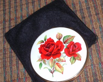 Vintage RED ROSES Make-Up Mirror Powder COMPACT by Stratton, England, Never Used with Black Cloth Bag Cover