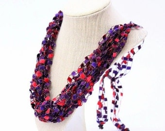 Adjustable Crochetlaces Necklace - Red Hat, wider ribbon