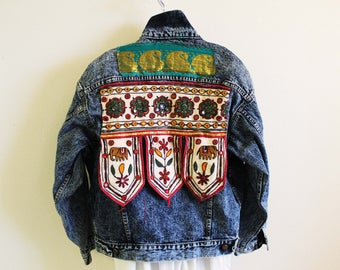 Levi's boho denim jacket Indian mirror applique hippie slouchy boxy 90's oversized redesigned L vintage 80's acid wash ethnic coat Coachella