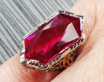 Vintage 14k Gold Filigree Ring Two Tone Gold Synthetic Ruby Ring 1930's Art Deco Fancy Floral July Birthstone Ring Size 4