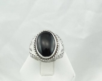 Simple Large Black Onyx in a Vintage Decorative Sterling Silver Ring Size 11 1/2  #VINTONYX-SR4
