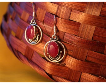 Melrosa, earrings with Ruby in Tibetan silver