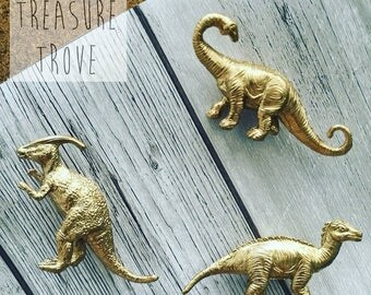 Thumb Attack - Dinosaur Push Pins - Set of 3 Gold // Home Storage Décor // Dinosaur Pins // Decorative Push Pins