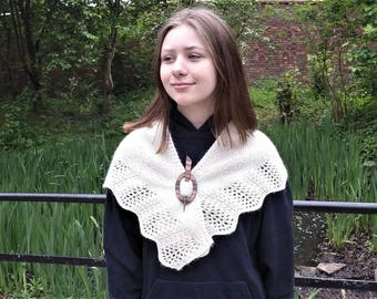 Woollen lace shawlette / scarf
