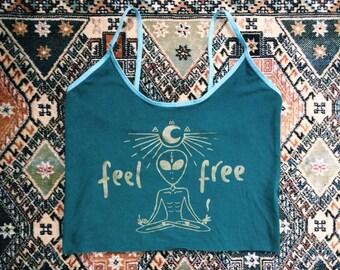 Organic Feel Free alien yoga crop top