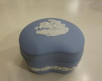 ENGLAND WEDGWOOD JEWELRY Box with Lid