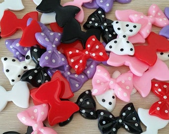 5 pcs Randomly selected colour dotted bow flatback resins