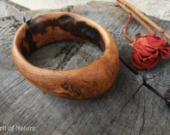 Oak wood bangle bracelet Artistic wooden bracelet Solid oak bangle bracelet Woman wooden jewelry Oak wood jewelry Wood grain bracelet OOAK