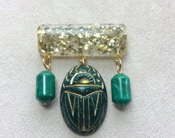Mystic Nile - Gold Confetti Lucite Style Deco Egyptian Revival Scarab / Beetle Brooch in Green