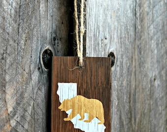 Reclaimed Rustic Wood California Bear Ornament // Holiday Decor // Rustic Christmas // Whimsical Christmas