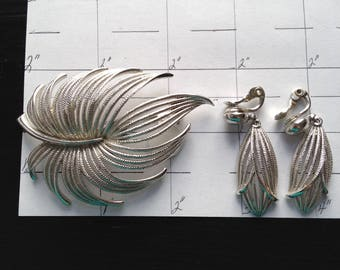 Vintage Brooch Earrings Matching Pin and Earrings Faux Silver Feather Brooch and Earrings